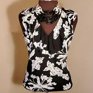 BANANA REPUBLIC Sleeveless Floral Ruffled Blouse